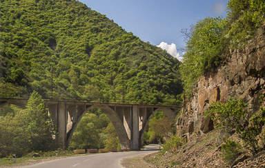 Мост по дороге в Дашкесан