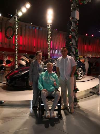 С Гостями из Москвы Андрей и Алла на обзорной экскурсии по Абу-Даби с посещением Феррари парка