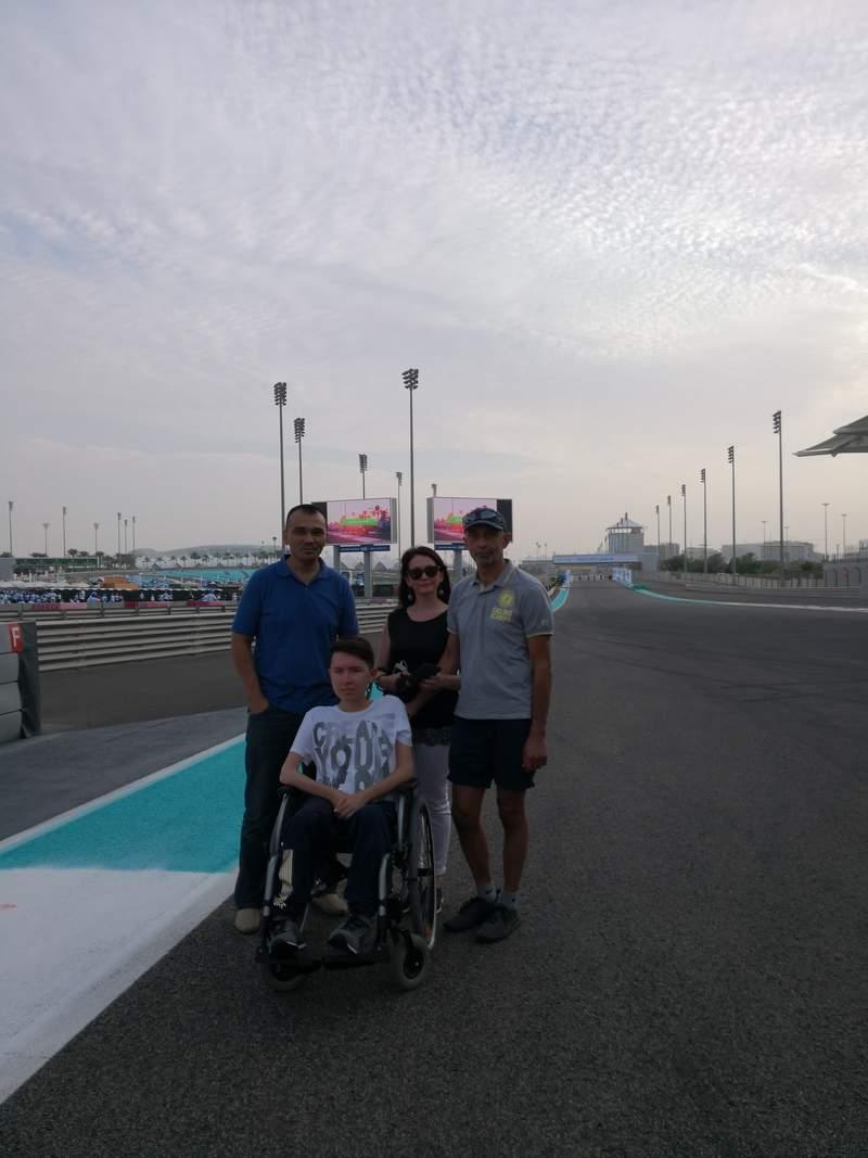 С Гостями из Казани на обзорной экскурсии по Абу-Даби с посещением трассы Формулы 1