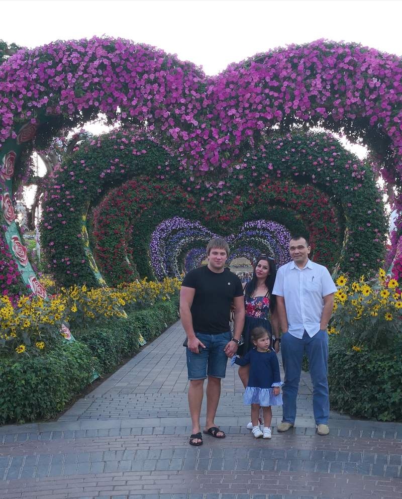 С Гостями из Запорожья Андрей Татьяна Кристина на обзорной Экскурсии по Дубаю с посещением Парка цветов