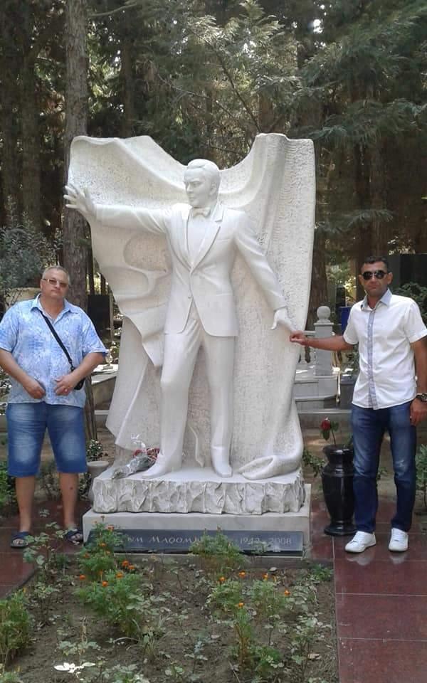 Могила Муслима  Магомаева