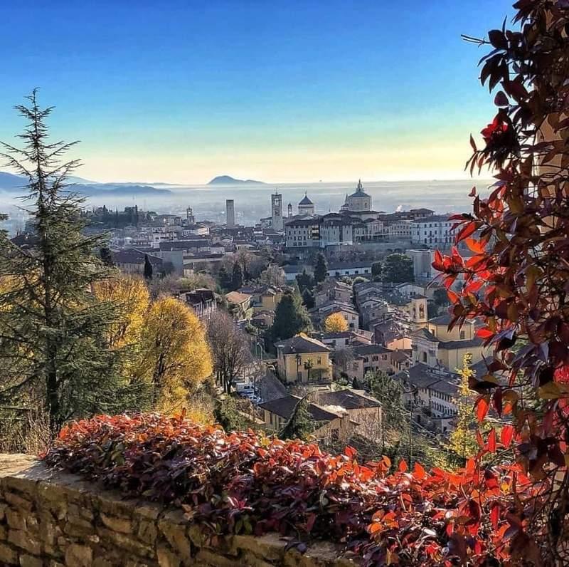 Вид на Бергамо с via San Vigilio
