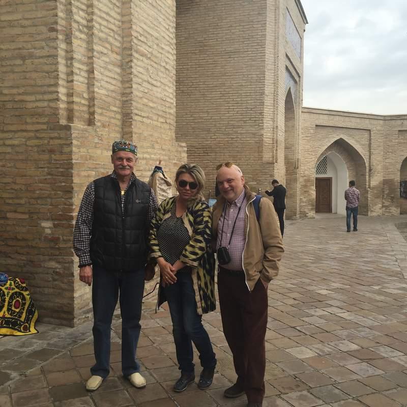 С туристами...Барак хан
