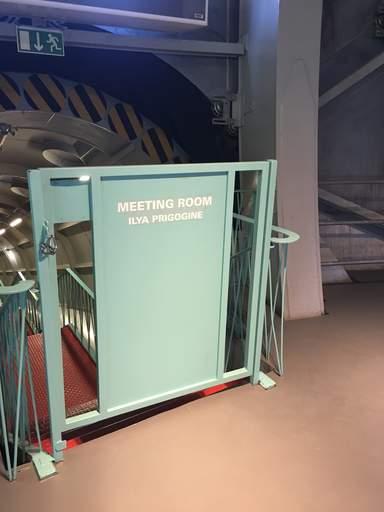 Один из залов Атомиума назван в честь Ильи Ивановича Пригожина, бельгийского физика, лауреата Нобелевской премии