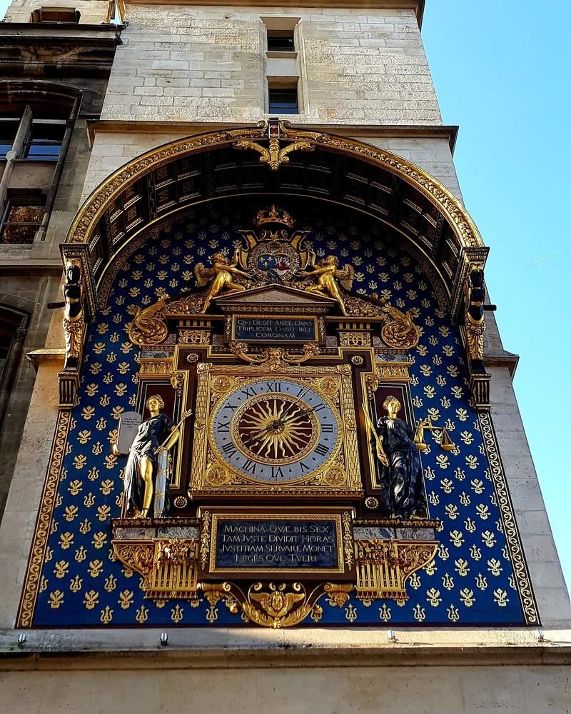 Первые городские часы в Париже