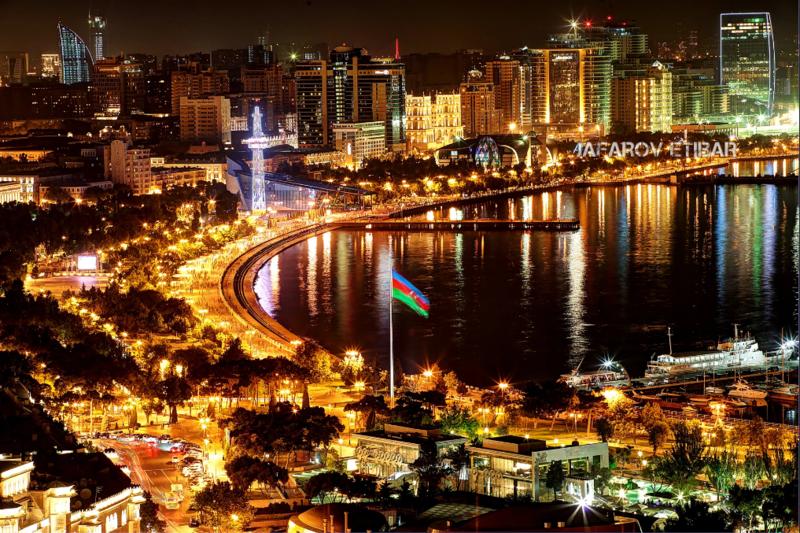 Вид на Баку с Нагорного парка