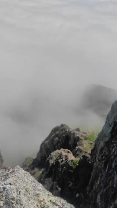 Выше облаков (вид с горы Бешбармаг)