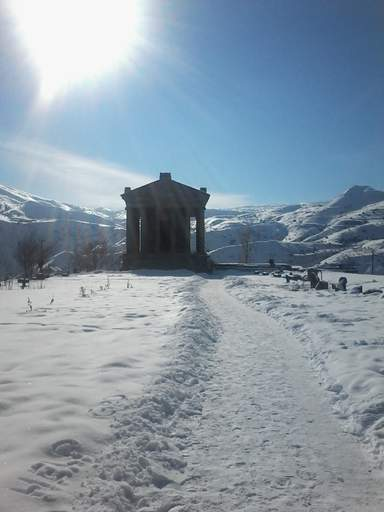 Гарнийский храм зимой