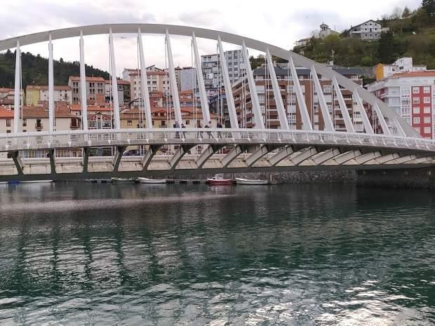 Мост в городе Ондарроа