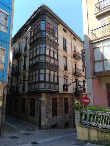 Старый город Португалете