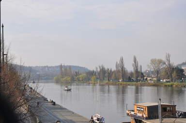 Влтава под Вышеградом. Вид с железнодорожного моста.