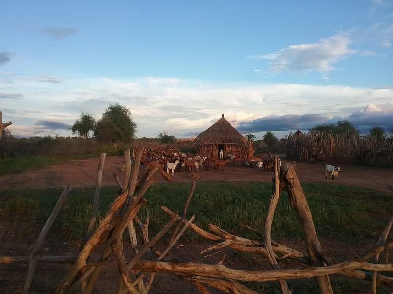 Деревня народа хамер