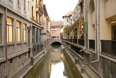 Канал в старом Анси