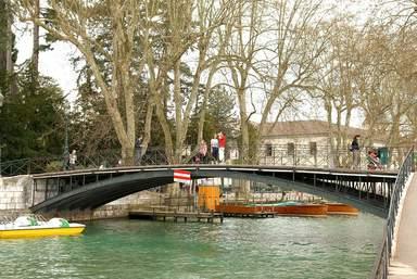 Мост Любви через канал Вассе