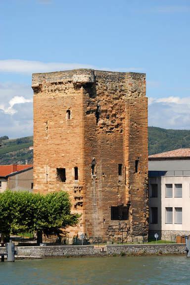 Башня Валуа