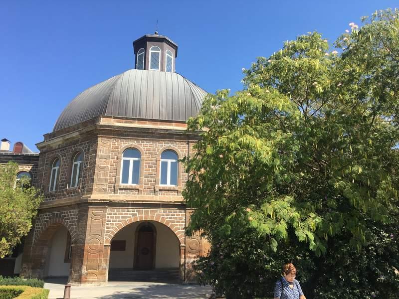 Духовная семинария в Эчмиадзине