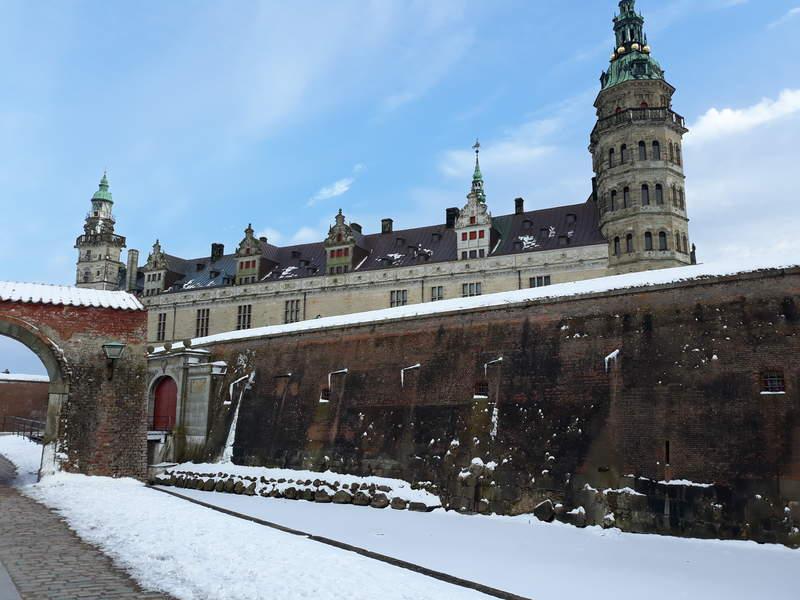 замок Кронборг зимой