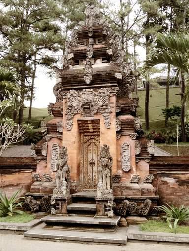 храм Титра Эмпул