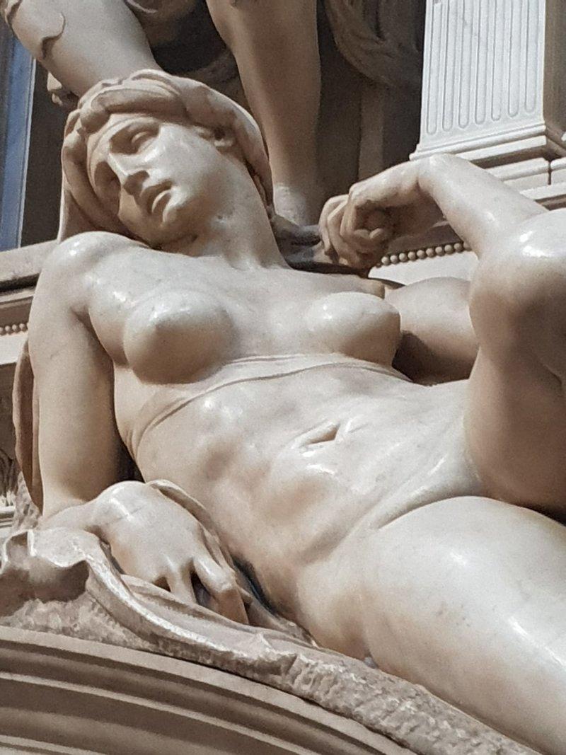 Новая ризница Микеланджело в церкви Сан-Лоренцо