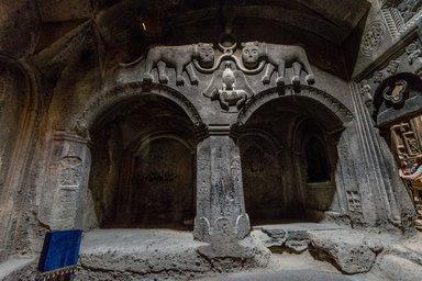 Барельеф в монастыре Гегард