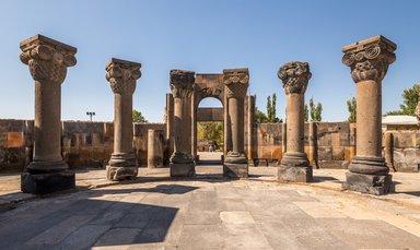 Руины храма Звартноц