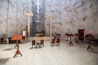 Алтарь храма в Эчмиадзине