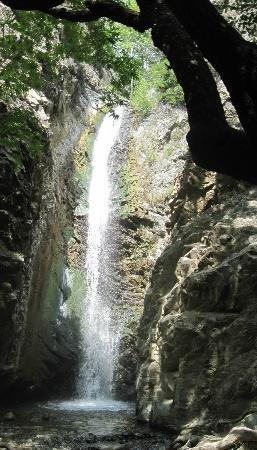 Водопад Миломерис