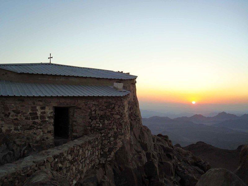 Закат-на-Горе-Святой-Екатерины.-Начало-восхождения-на-вершину-от-часовни-Сорока-мучеников-Арбейн