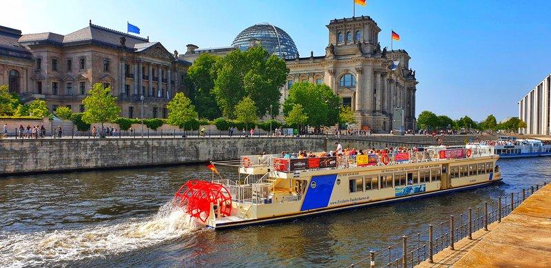 Рейхстаг, недорогие экскурсии в Берлине, групповые экскурсии в Берлине, гид в Берлине, групповая экскурсия в Берлине