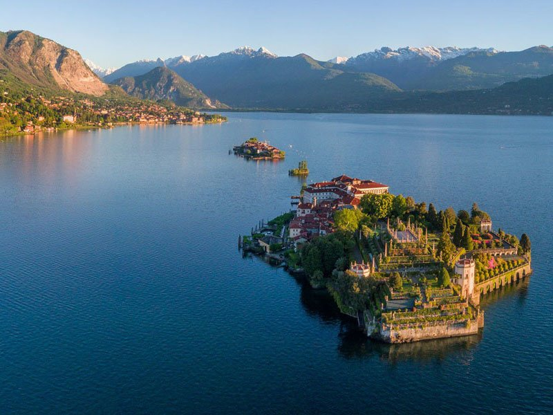 Озеро Маджоре, острова