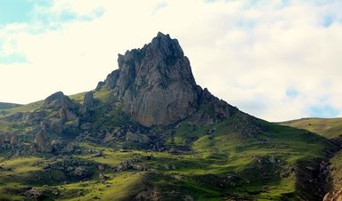 Гора Хыдыр Зинда