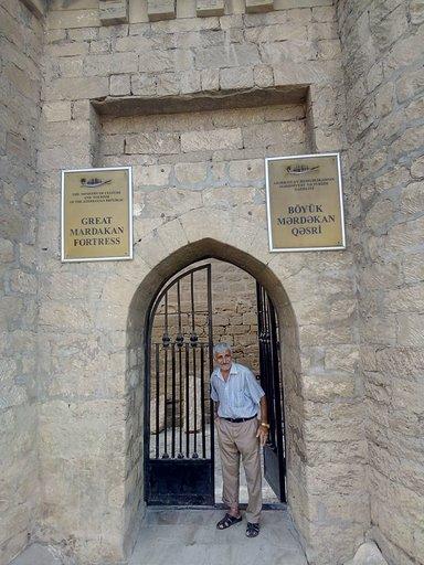 Большая Мардакянская Крепость , смотритель Дед Видади.