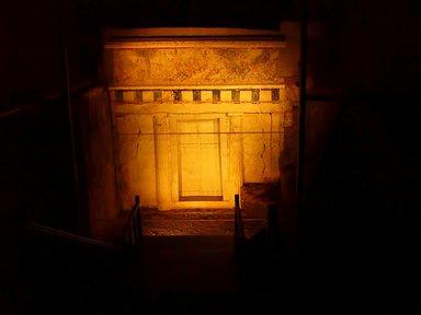 Здесь погребён отец Александра Македонского Филипп II