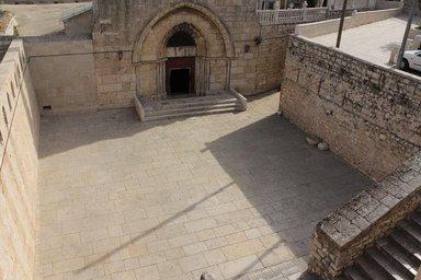 Вход-в-Храм-Гробницы-Матери-Божьей-в-Гефсиманском-Саду-Восточный-Иерусалим