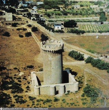 Одна из оборонительных крепостей города Баку