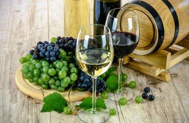 Пробуем 10-12 сортов вина