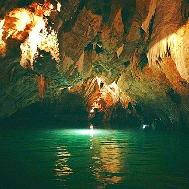 Путешествие на лодочке по подземной реке