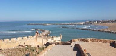 Вид с крепости Удайя на Атлантический океан и реку Бурегрег