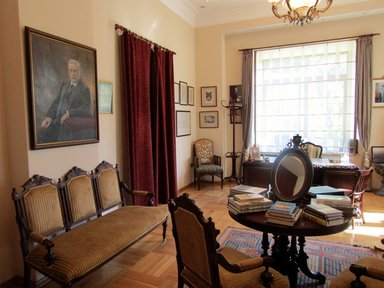 Одна из комнат в фамильной резиденции братьев Нобель в Баку