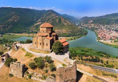 Храм Джвари и слияние Куры и Арагви
