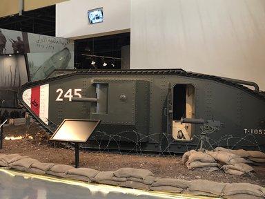 одна из моделей первых танков