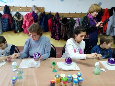 Мастер- класс по росписи игрушек на фабрике в Карачеве