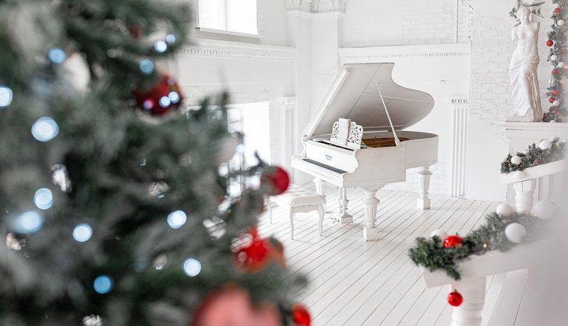 Новогодняя встреча у белого рояля в Самарской филармонии