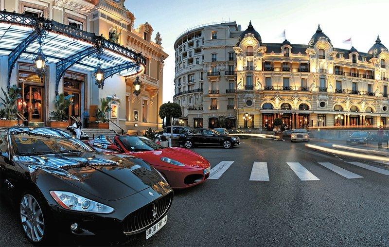 Площадь перед казино в Монте-Карло