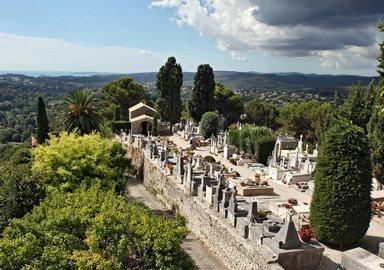 В Сен-Поль-дё-Ванс был похоронен марк Шагал
