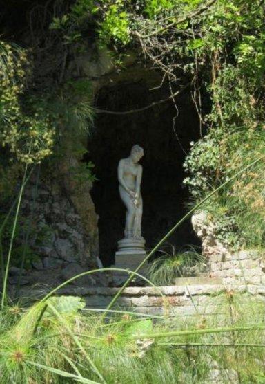 Гроты и скульптуры сада