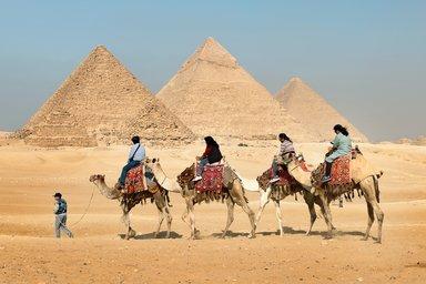 Camel ride tour around Giza Pyramids