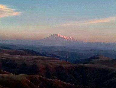 Вид на Эльбрус с горы Сфинкс