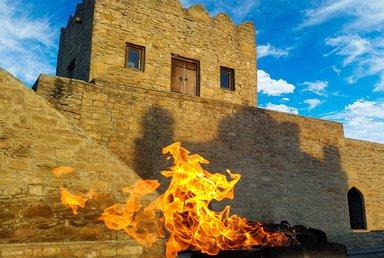 Балахана в храме огня Атешгях