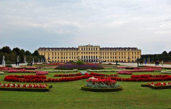 Достопримечательности Австрии - Дворец Шенбрунн